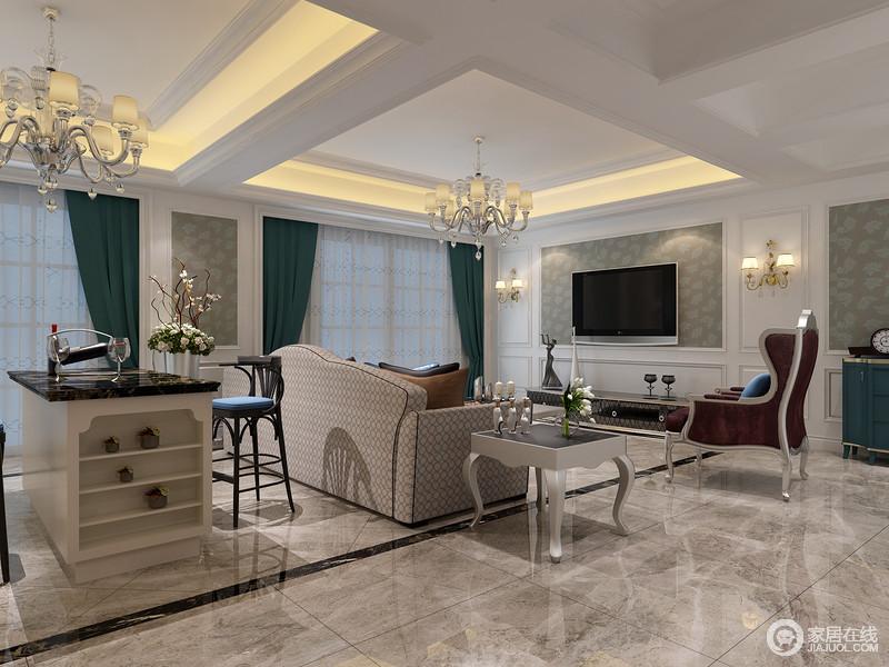 宽敞的大空间中被一分为二,沙发、边几和高脚椅无形中划分客厅与休闲区空间;墙面以拼接的手法,将白色的护墙板搭配暗纹印花壁纸,跳脱的装饰深绿色窗帘,规整有序的空间中,有着清新的层次感。