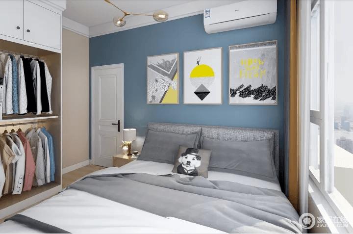 设计卧室时首先考虑的是让人感到舒适和安静。我设计的居室的面积并不是很大,除摆放双人床外,留有一定的面积摆放卧室家具,如衣柜、床头柜、梳妆台等。墙面颜色大面积以奶咖色为主,背景用灰蓝色搭配,整体温馨舒适。其它的家具和摆设根据自己的习惯来添加。卧室的灯光应选用可调节的,因为有些人喜欢在昏暗的灯光下入睡,有些人则会在柔和的灯光下阅读。