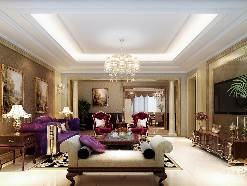 客厅通过印花壁纸和黄白线条的装饰勾勒,让空间背景有着层次的彰显,赋予空间精致的细腻感;魅紫、深红及灰白色调的沙发混搭,在奢贵的质感中展现出典雅的浪漫;水晶灯饰组流苏点缀,华美的呈现出轻盈灵动。
