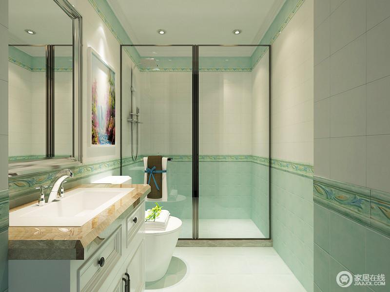 卫浴间并没有按照常规进行,而是通过白色和绿色砖石营造清新,表达着每个空间不同的艺术主题,也让生活尤为舒怡;通过玻璃干湿分区,唯美的画作镌刻着不同的视觉效果,创造了一个自然之境。