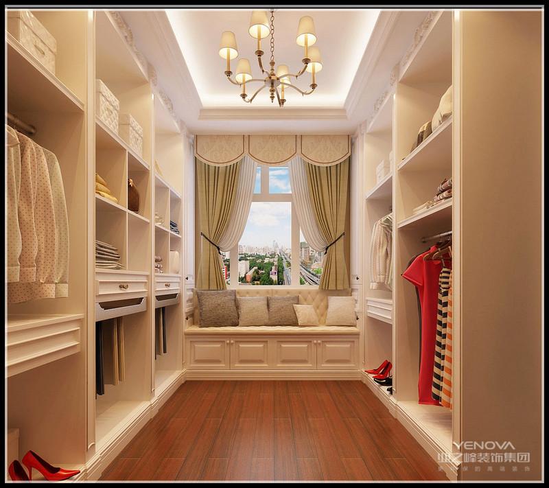 色彩常用浅色系,乳白色、米色、浅褐色互相交融。以现代装修的手法重现了新古典的欧式家居新意境