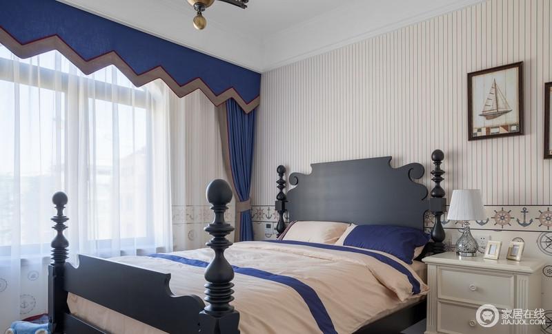 美式的卧室布置较为温馨,儿童房主要以功能和实用舒适考虑的重点,多用温馨成套的布艺来装点,同时在软装和用色上非常和谐统一,深浅之中,成就温馨。