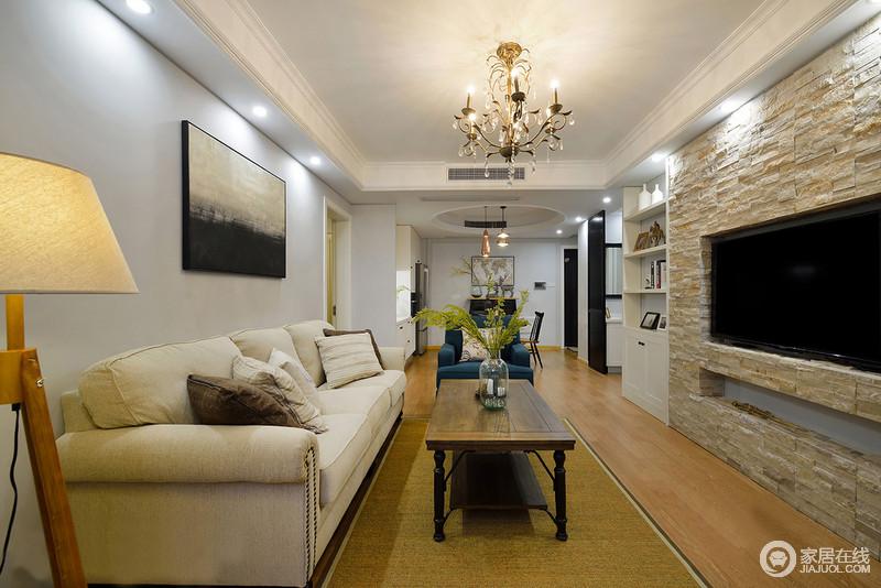现代美式风格,追求华丽,高压的古典风格,居室色彩均为白色客厅作为待客区域,一般要求简洁明快,同时装修较其它空间要更明快。